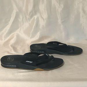 Reef size 9 Fanning bottle opener sandals black